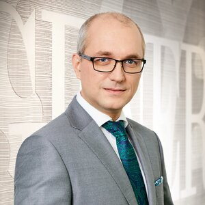 Zgoda KNF dla Macieja Fedyny