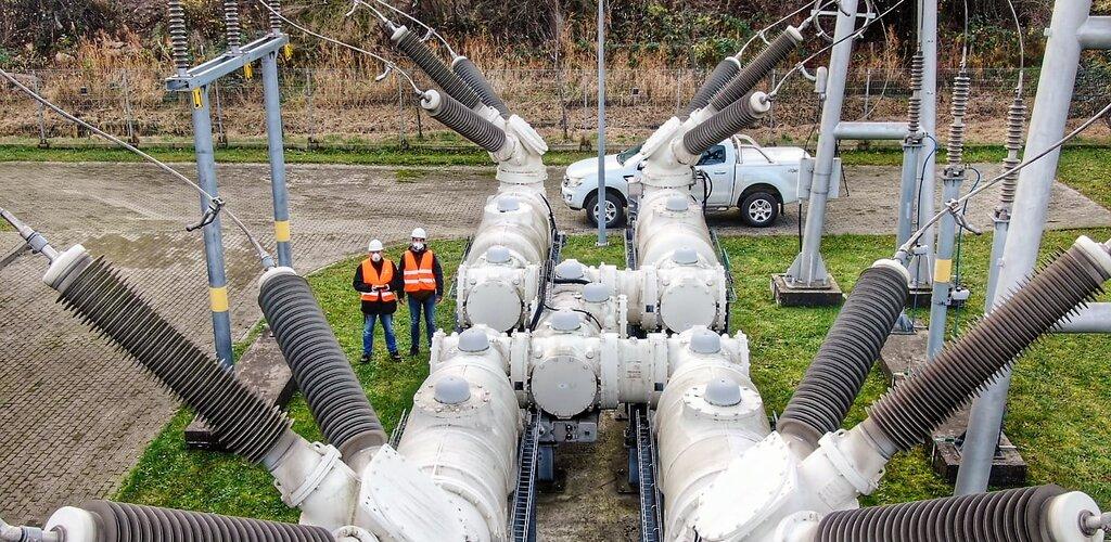 Nowoczesne drony na straży linii elektroenergetycznych