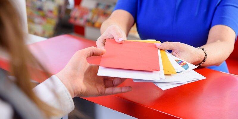 Poczta Polska rezygnuje z opłat znaczkami pocztowymi – rewolucyjna zmiana