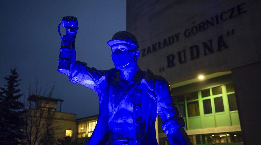 KGHM se tiñe de azul - por quinta vez nos unimos a la campaña del Día Mundial de Concienciación sobre el Autismo