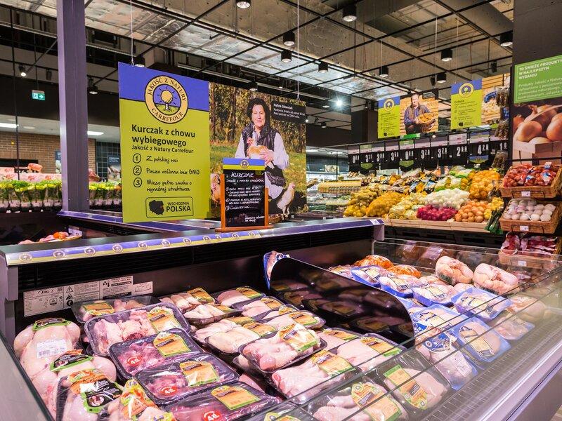 Carrefour podnosi jakość marki własnej – produkty drobiowe zgodne z European Chicken Commitment