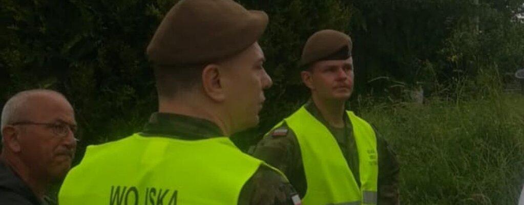 Małopolscy Terytorialsi wspierają poszkodowanych  po przejściu trąby powietrznej