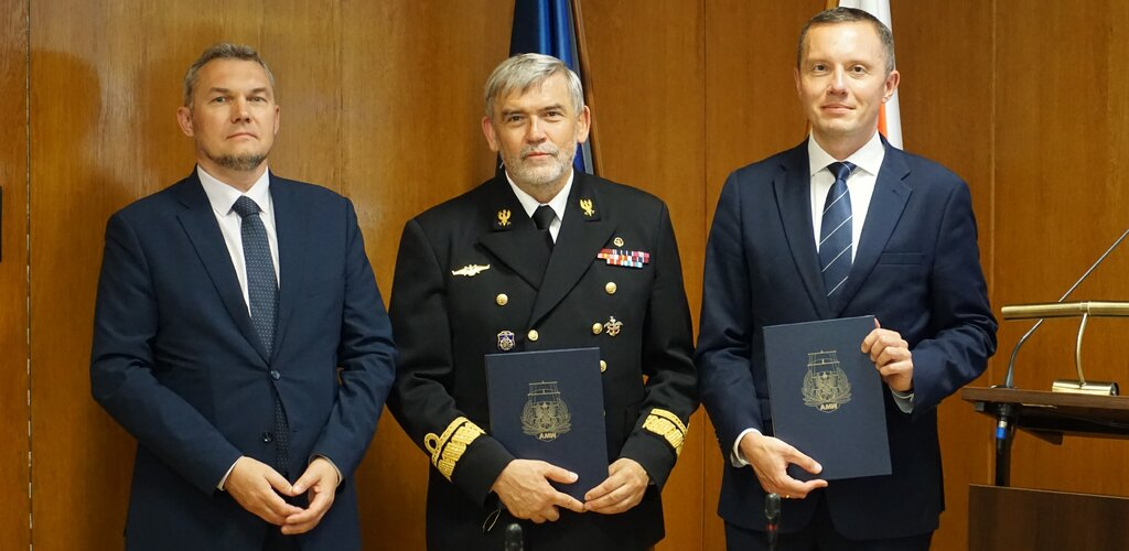 Poczta Polska podpisała umowę z AMW dotyczącą uruchomienia studiów EMBA