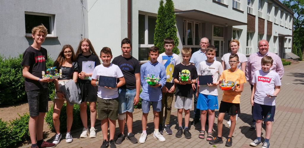Młodzi konstruktorzy i programiści budowali z Energą