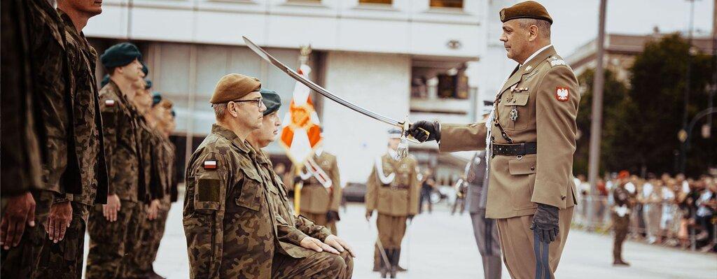 Nowi oficerowie w WOT – uroczysta promocja na Pl. Piłsudskiego w Warszawie