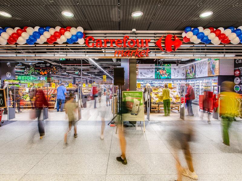 Carrefour Market w Starym Browarze wita klientów atrakcyjnymi promocjami