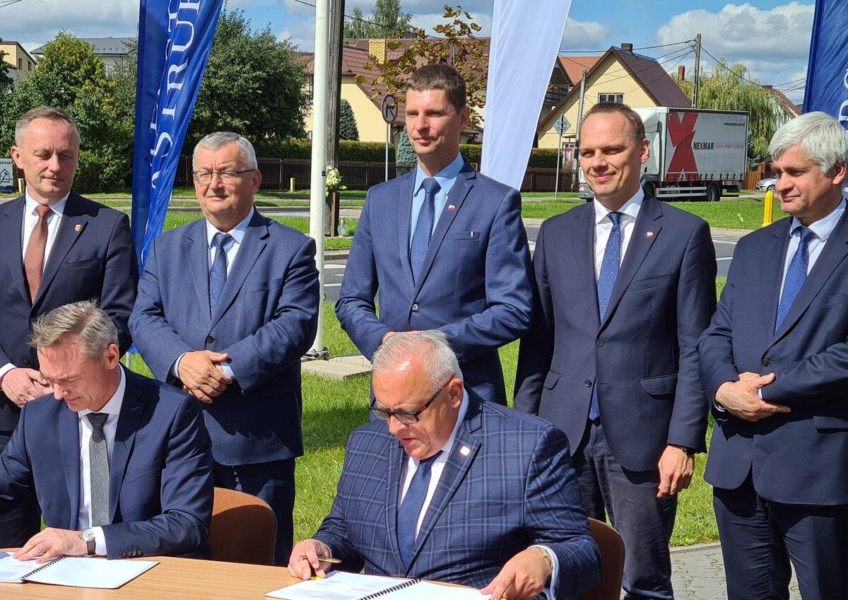 Podpisanie umowy na budowę drogi ekspresowej S19 na odcinku Haćki - Bielsk Podlaski