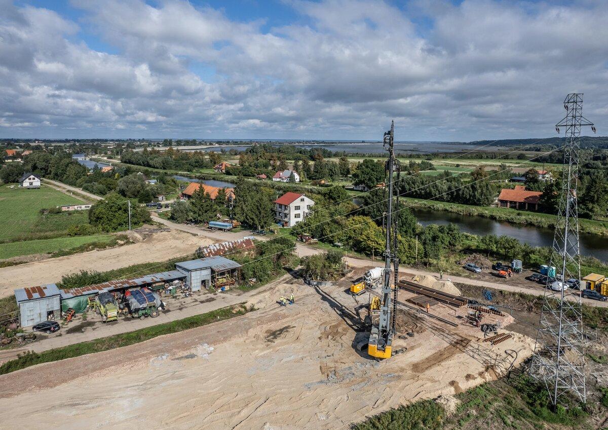 Prace przy II części budowy drogi wodnej przez Zalew Wiślany nabierają tempa