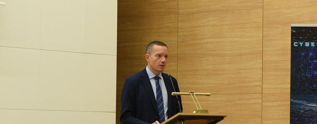 Poczta Polska i Akademia Marynarki Wojennej w Gdyni uruchomiły studia MBA