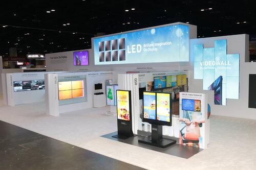Samsung wprowadza na rynek urządzenia SMART Signage z systemem Tizen 3.0