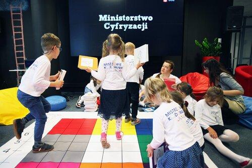 Zaprogramuj Przyszłość: lekcje programowania dla 20 tysięcy dzieci z małych miejscowości