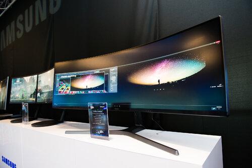 Zobacz najnowsze monitory Samsung QLED Gaming Monitors na Poznań Game Arena