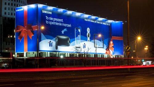 Samsung dostarcza emocji w świątecznej kampanii