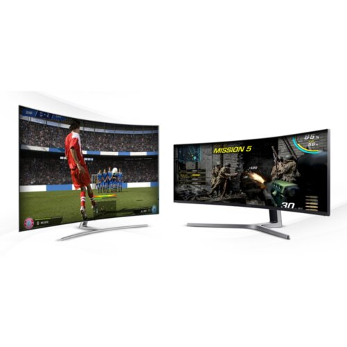 Rozgrywka na dużym ekranie: 65 calowy telewizor QLED vs 49 calowy monitor QLED