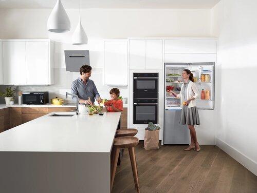 """50 tys. euro - o tyle może wzrosnąć wartość europejskiego domu wyposażonego w ,,inteligentną"""" kuchnię. Badanie marki Samsung"""