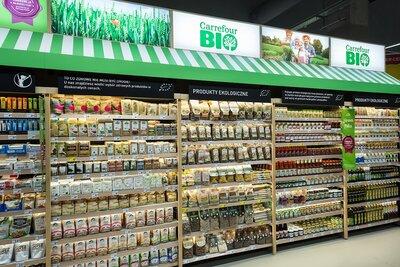 Carrefour zmodernizował kolejne sklepy