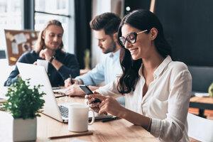 Polacy zadowoleni z pracy, ale dalecy od zachwytu