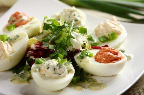 Bez jajka ani rusz! Najlepsze przepisy na wielkanocne potrawy z jajkiem