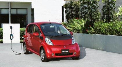 Mitsubishi świętuje dekadę i-MiEV - pioniera elektromobilności
