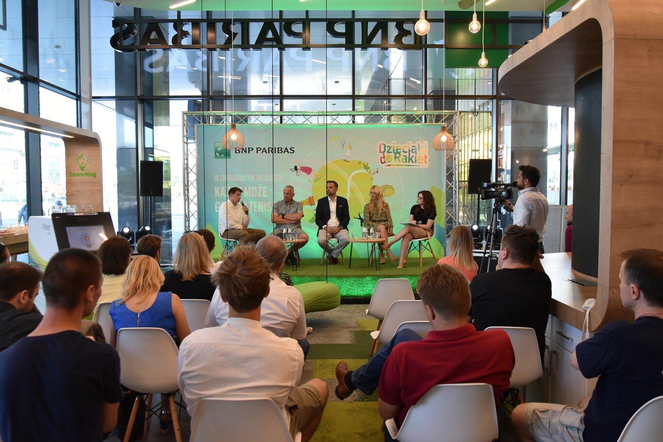 Dzieciaki do Rakiet: Bank BNP Paribas zachęca dzieci do gry w tenisa