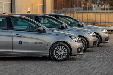 100 samochodów dla Głównego Inspektoratu Sanitarnego od PKO Leasing – Pomagamy Polsce i Polakom