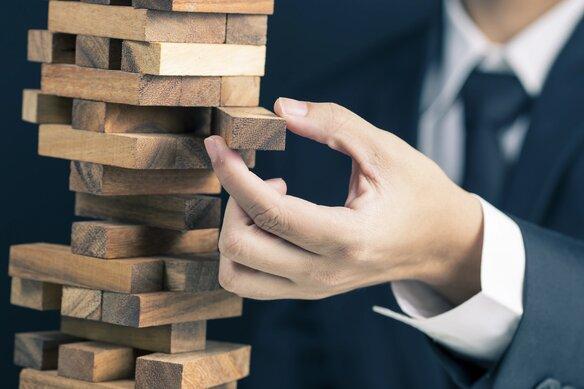 EY Globalne Badanie Dezinwestycji - Jeszcze nigdy tak dużo firm nie twierdziło, że musi pozbyć się części swoich aktywów