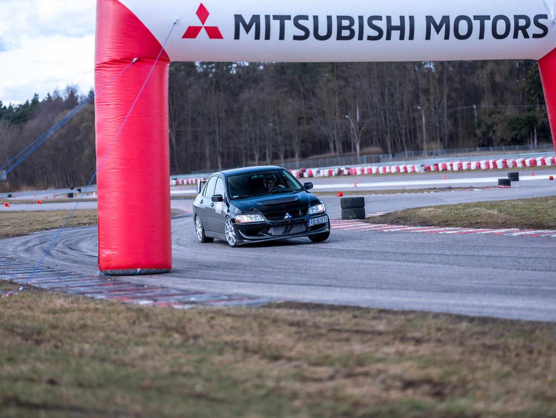 Wielkie Starcie - Mitsubishi Lancer Evolution vs Subaru Impreza